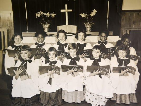 LDN-MKD-012816-choir