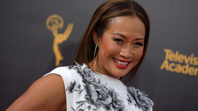 Carrie Ann Inaba announced her engagement to soap opera star Robb Derringer on Wednesday.
