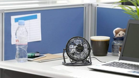Best gifts under $25: iKross Mini USB Desktop Fan