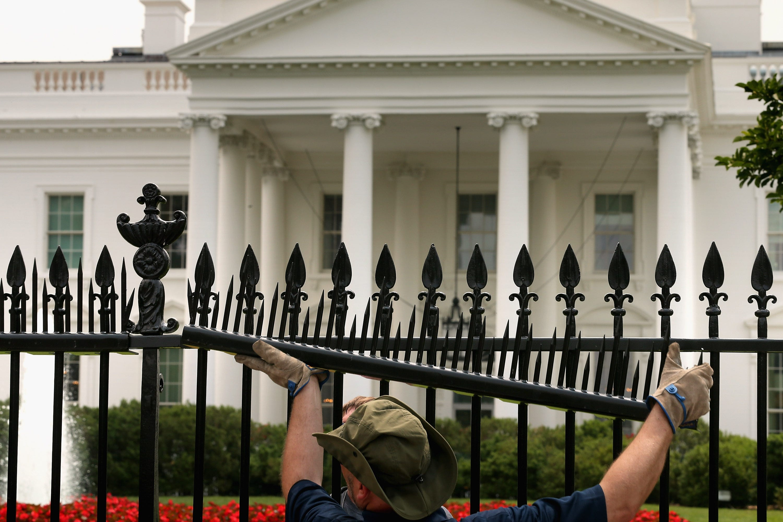 White House Fence Gets New Sharper Spikes