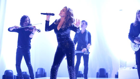Shania Twain performs 'Swinging' with My Eyes Closed'