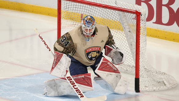 Florida Panthers goaltender James Reimer (34) warms
