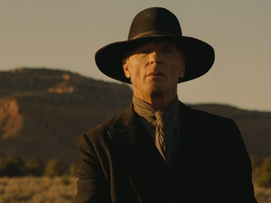 Once-powerful William (Ed Harris) finds himself in