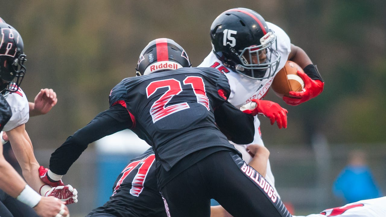 Watch: Haddonfield football books trip to Rowan with win over Cinnaminson