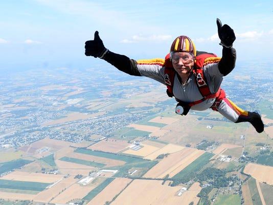 YDR-KP-091016-parachute