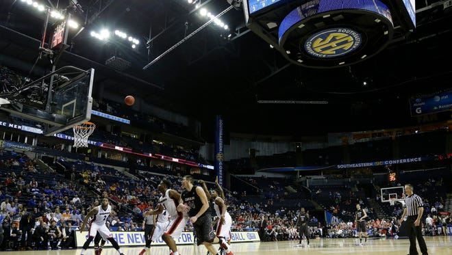South Carolina guard Sindarius Thornwell (0) shoots a free-throw against Georgia during the second half of an NCAA college basketball game in the quarterfinal round of the Southeastern Conference tournament, Friday, March 13, 2015, in Nashville, Tenn.