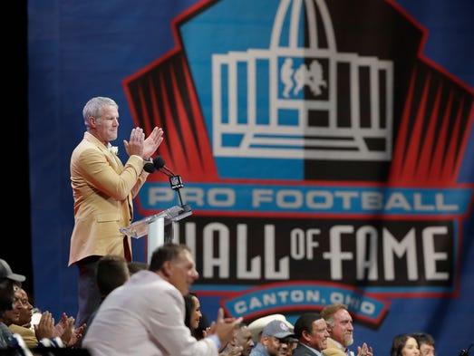 informative speech on brett favre Brett favre couldn't keep himself together during his hall of fame induction speech on saturday.
