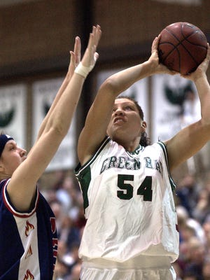 Former University of Wisconsin-Green Bay standout  Chandra Johnson-Francies is holding her sixth annual Green Bay Greats camp next month.