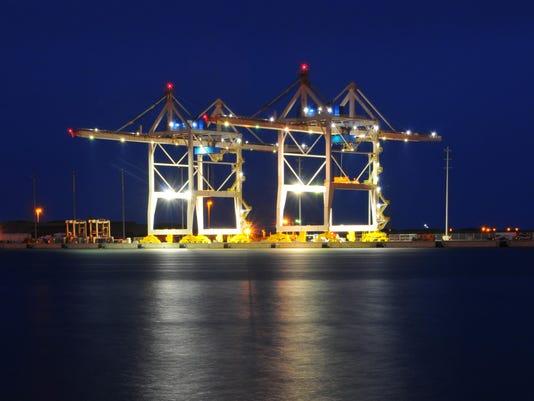 Port cranes 17