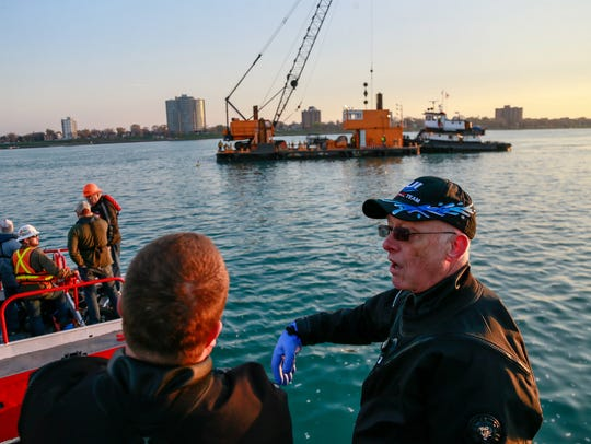 Volunteer scuba diver from the Great Lakes Maritime