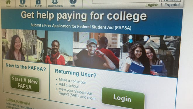 High school seniors and college students can file their FAFSA as soon as Oct. 1.