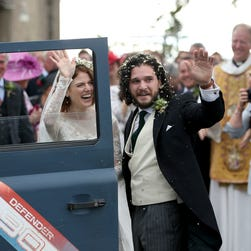 See photos: Rose Leslie and Kit Harington, 'Game of Thrones' co-stars, wed in Scotland