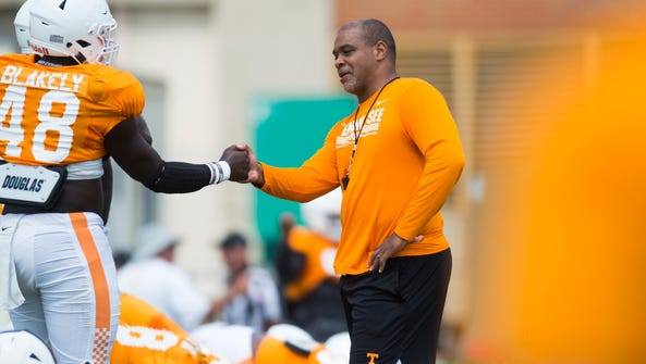 Vols linebackers coach Tommy Thigpen