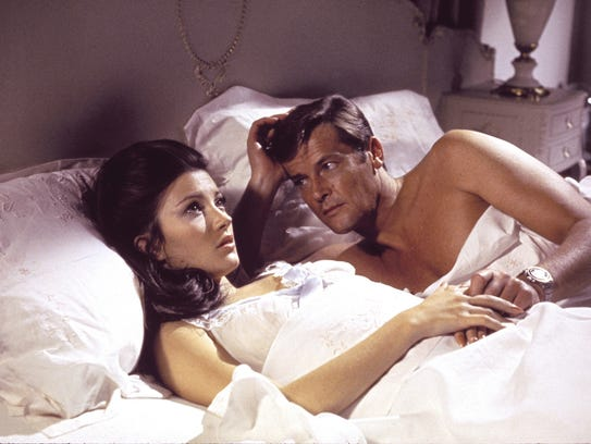 Roger Moore romances Jane Seymour in 'Live and Let