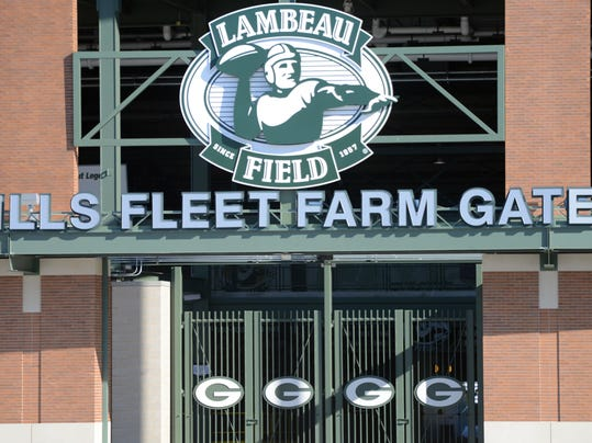 Lambeau Field_Fleet Farm gate .jpg