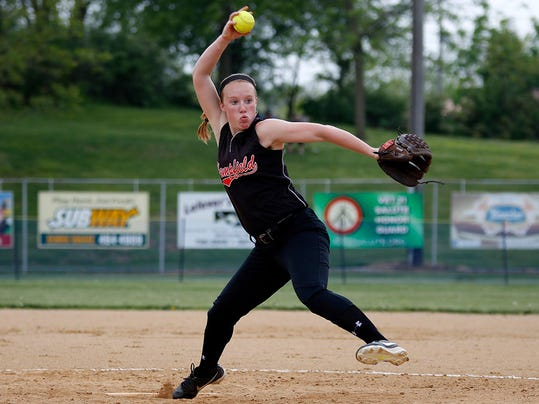 "Hempfield's Lauren Lichtenwalner took on Lancaster sports reporter John Buffone in the latest episode of GameTimePA's segment, ""Ballers vs Bloggers""."