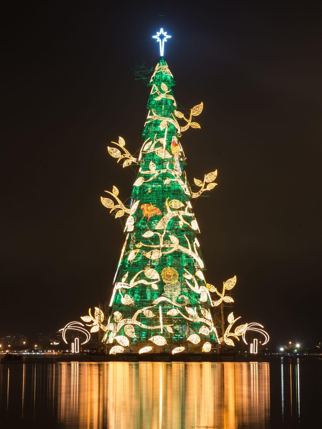 Last year, 3.1 million lights illuminated the giant