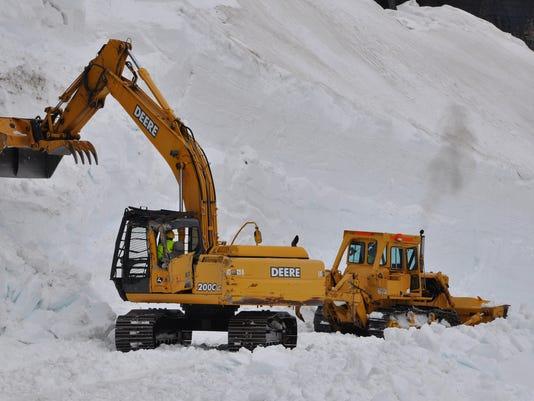 -Big Drift Glacier plowing.jpg_20120613.jpg