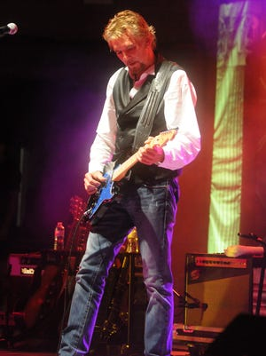 Kenny Loggins performs at Waterfest on Thursday, Aug. 29, 2013.