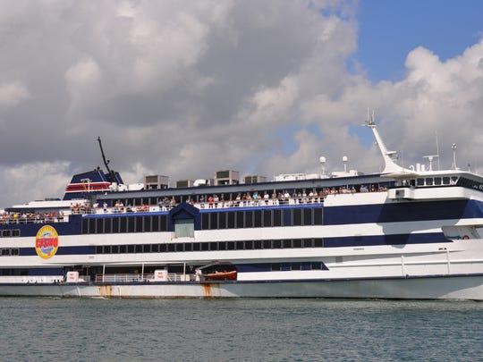 Kapal judi Victory 1 akan melanjutkan pelayarannya dari Port Canaveral pada hari Kamis, berlayar dua kali sehari, kecuali hari Senin dan Selasa.