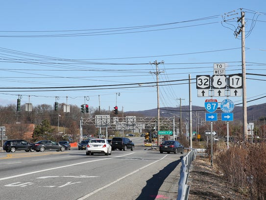 The intersection of Route 32 and Route 17 and entrance