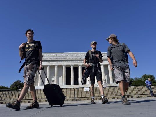 tourists-shutdown