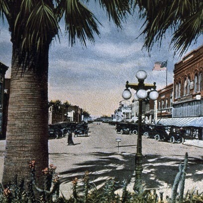 This postcard shows Fifth Street in downtown Oxnard