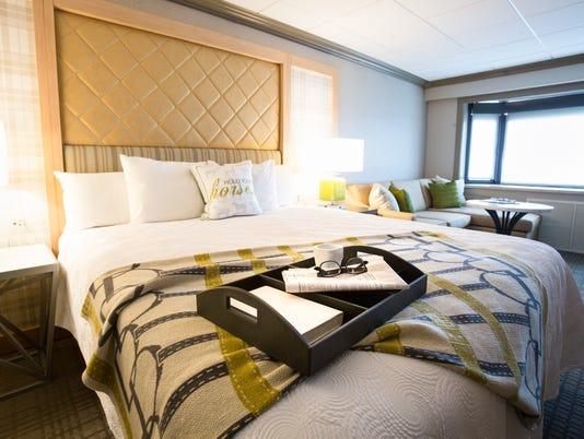 636597448040256896-Galt-House-King-Room.jpg