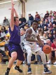 Chambersburg's ByShawn Mincie drives against Mifflin
