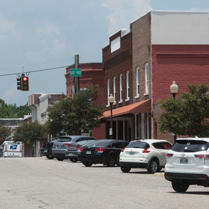 Milton is considering allowing bars/taverns in the
