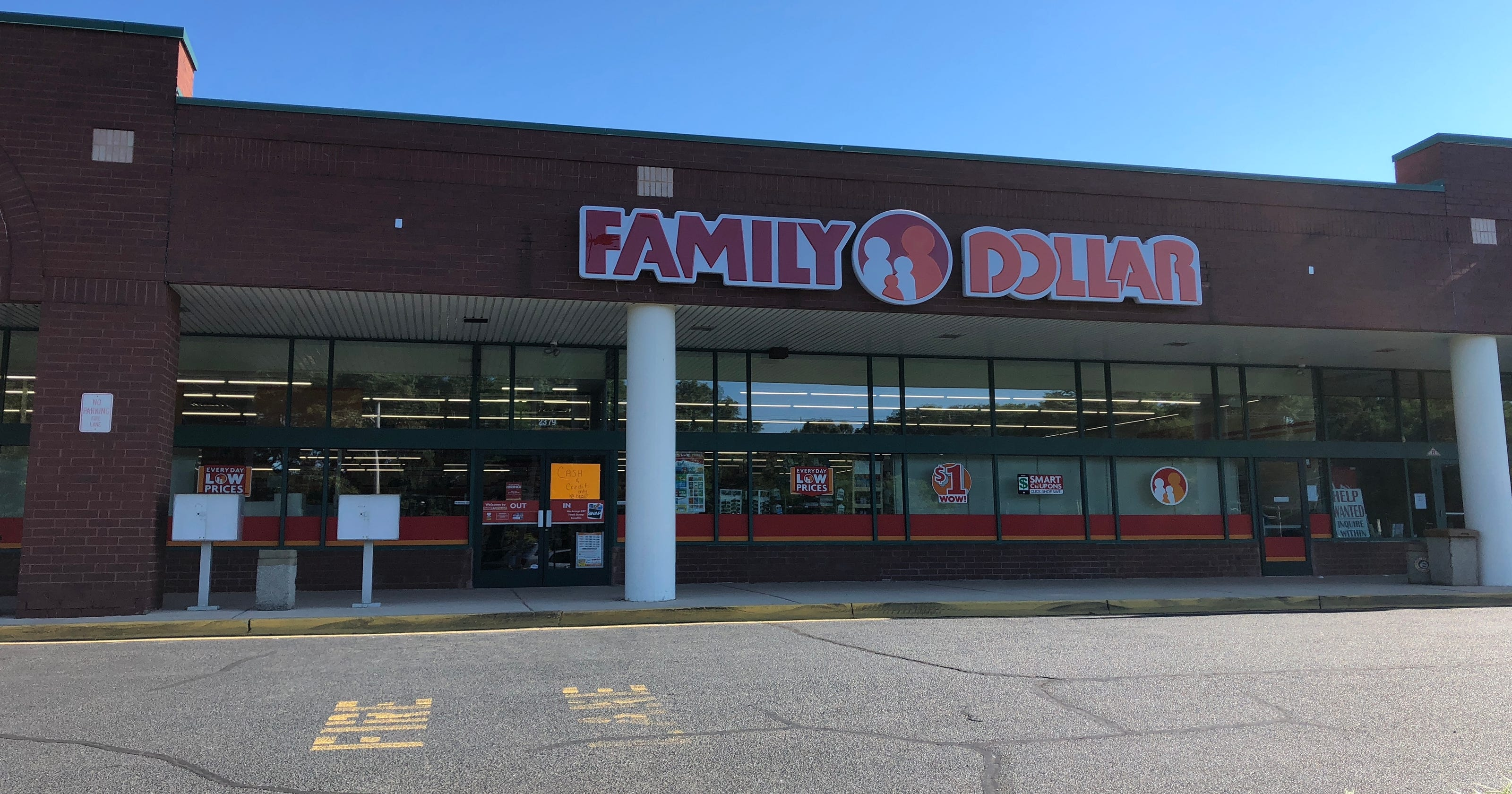 family dollar discount store opens in middletown. Black Bedroom Furniture Sets. Home Design Ideas