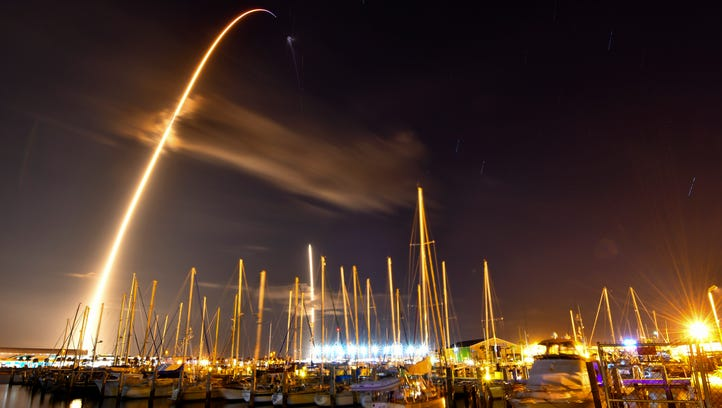 spacex launches mysterious zuma mission lands