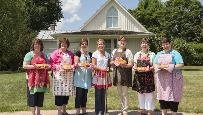 Beth Howard, center, with a group of pie acolytes, pictured in summer 2013.