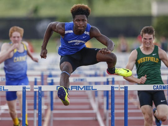HSE sprinter Madison Norris finishes first in his prelim