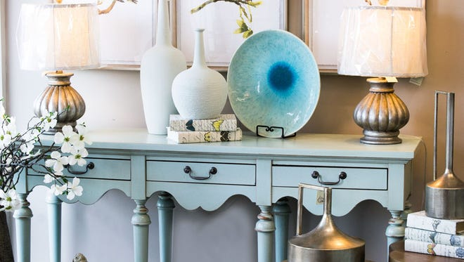 Robin's Nest is holding a home accessories sale in July