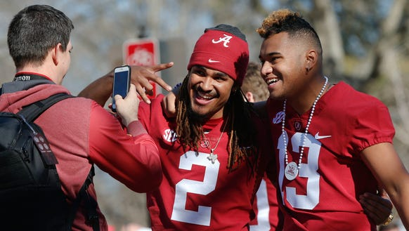 Alabama quarterbacks Jalen Hurts, left, and Tua Tagovailoa