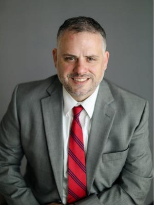 Jake Dale will serve as vice president of commercial banking for Landmark National Bank.