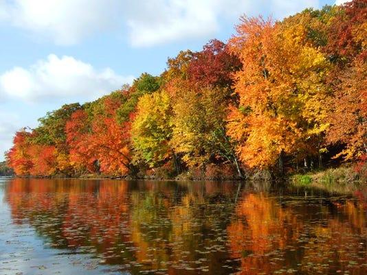 636468801962171065-Delaware-Water-Gap-NRA-NPS-Photo-Fall-colors-2017-crop.jpg