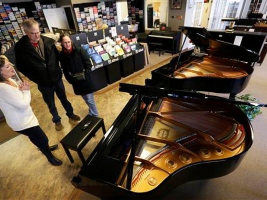 Piano Stores Dwindling