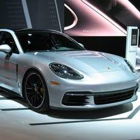 2017 Porsche Panamera Sports sedan is new & improved