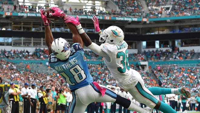 Titans wide receiver Rishard Matthews catches a pass for a touchdown Sunday against Miami.