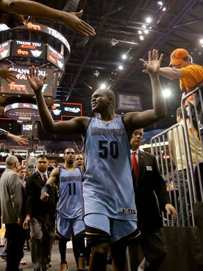 Memphis Grizzlies' Zach Randolph (50) leaves the court