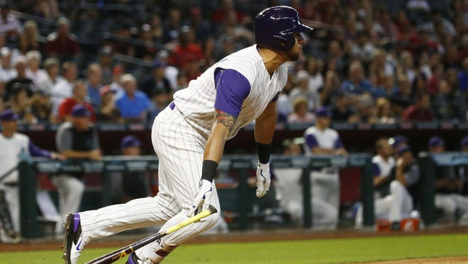 Arizona Diamondbacks David Peralta hits a 2-RBI single against the San Diego Padres in the 6th inning on Thursday, June 8, 2017 at Chase Field in Phoenix, Ariz.