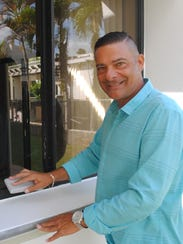 Real estate agent Duane Pahl says that cleaning window