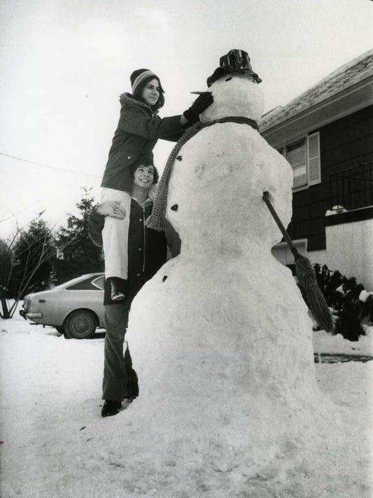 Snow-Sculpture300.jpg