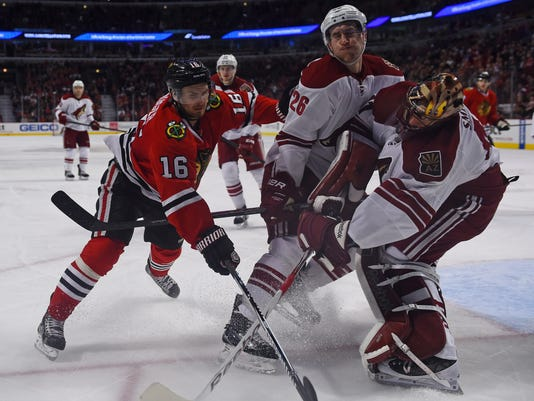 USP NHL: ARIZONA COYOTES AT CHICAGO BLACKHAWKS S HKN USA IL