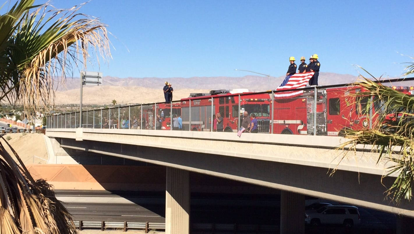 Public pays respect to fallen palm springs police officers for Plush pad palm springs