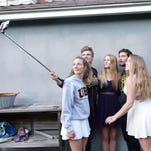 Prom season is here! How to take those Instagram-perfect photos using your smartphone