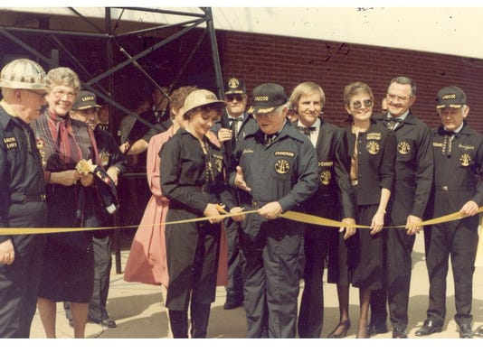 1983 Ribbon Cutting.jpg