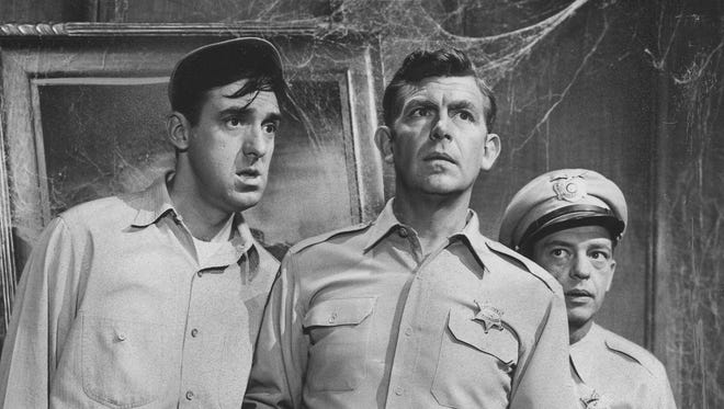 Jim Nabors Gomer Pyle On Andy Griffith Show Dies At 87 Jim nabors was better known for his pseudonym, gomer pyle, and was an actor, singer, and comedian. jim nabors gomer pyle on andy